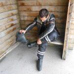 Sezuvanje gumijastih dežnih čevljev