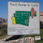 Opatija Sv Lucije na poti v Baško